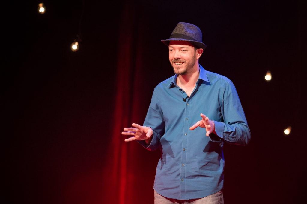 www.pandevonium.com 5333 - BOING! Comedy Club